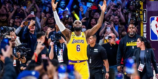 ロサンゼルス・レイカーズ / NBA...